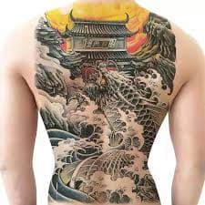 hình ảnh cá chép hóa rồng vượt vũ môn quan ở lưng