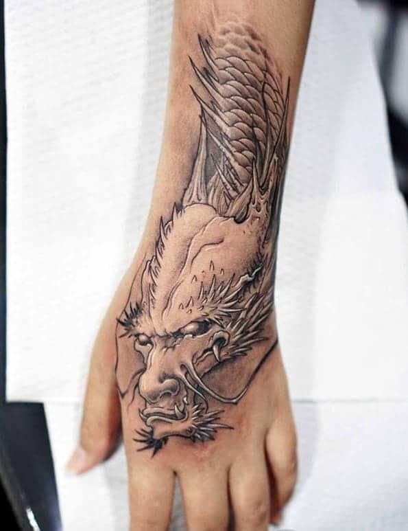 hình ảnh đầu rồng tattoo ở mu bàn tay