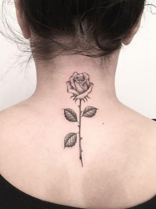 hình ảnh xăm tattoo hoa hồng sau gáy đẹp ý nghĩa nhất