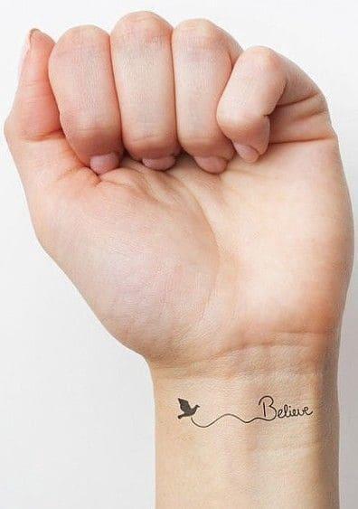 hình xăm chữ ý nghĩa ở cổ tay