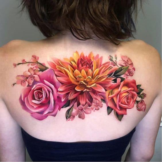 hình xăm lưng nữ đẹp hình hoa hồng
