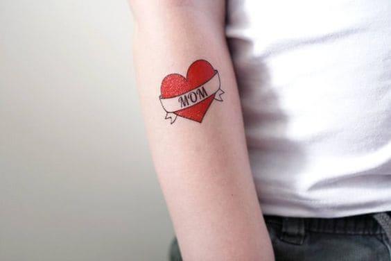 mẫu hình tattoo chữ mom và trái tim tuyệt đẹp