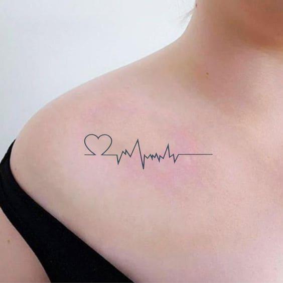 mẫu hình tattoo nhịp tim ở ngực