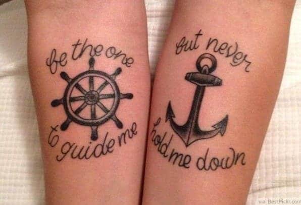 mẫu tattoo bánh lái và neo