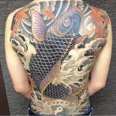 mẫu tattoo cá chép vượt vũ môn kín lưng chất nhất