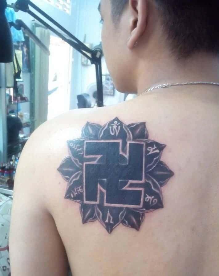 mẫu tattoo chữ vân phật