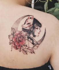 mẫu tattoo cô gái trung hoa sau lưng
