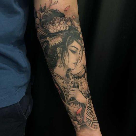 mẫu tattoo cô gái trung hoa trên cánh tay