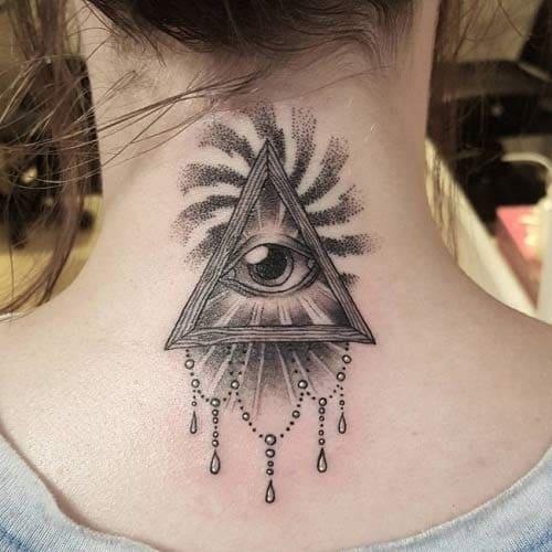 mẫu tattoo con mắt sau gáy cho nữ