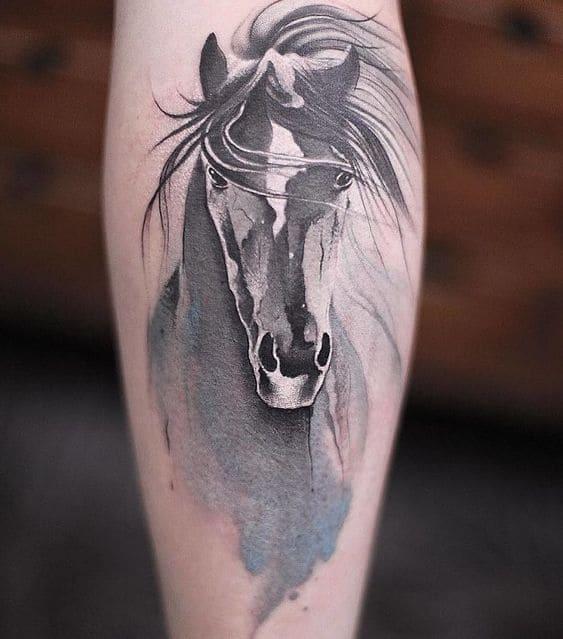mẫu tattoo con ngựa cá tính cho nữ