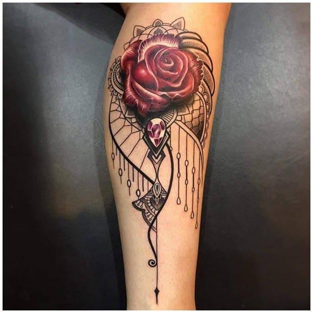 mẫu tattoo hình hoa hồng ở bắp chân con gái