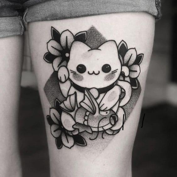 mẫu tattoo hình mèo thần tài ở chân
