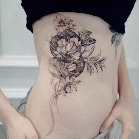 mẫu tattoo rắn mini cho nữ