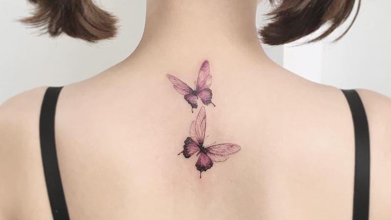 mẫu xăm bươm bướm sau gáy nữ cute