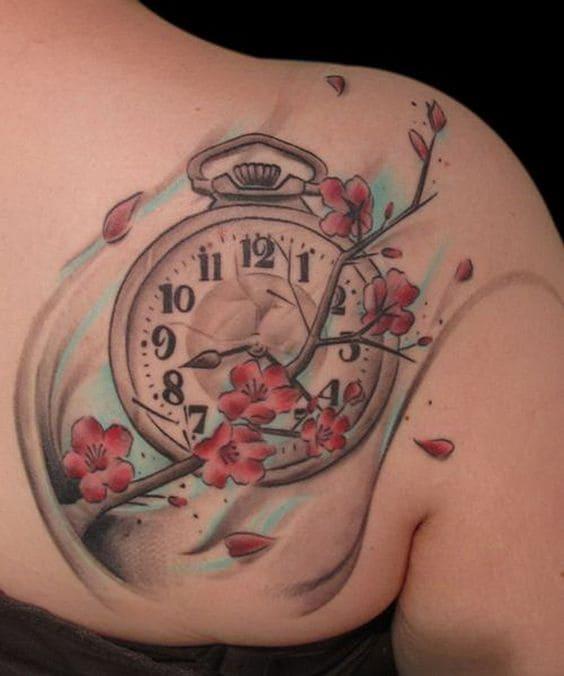 mẫu xăm đồng hồ đẹp ở lưng