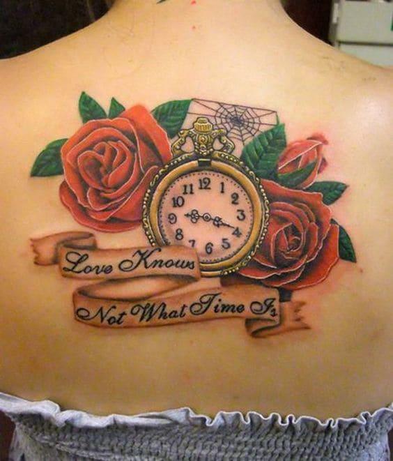 mẫu xăm hoa hồng và đồng hồ đẹp ở lưng chi nữ