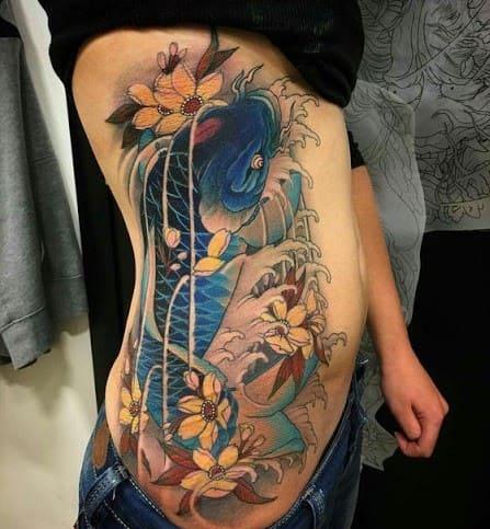 tattoo hình cá chép dọc bụng cực đẹp