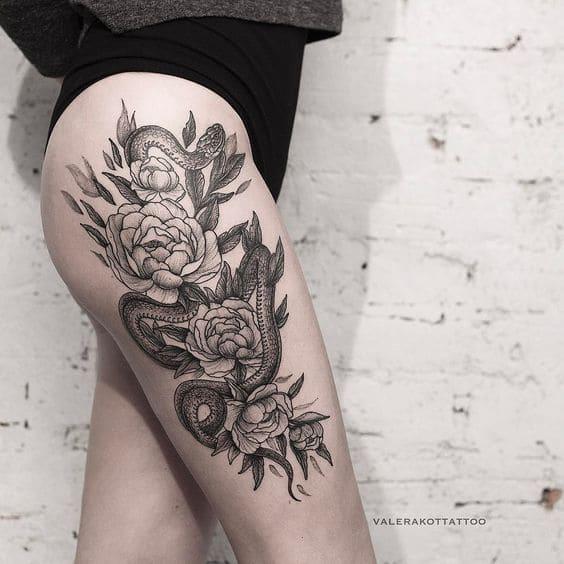 tattoo hình con rắn chỗ chân cho phái đẹp