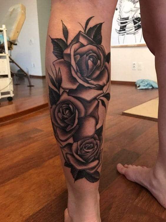 tattoo hình hoa hồng sau bắp chân