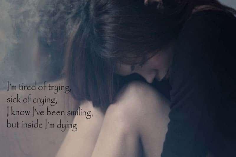 Ảnh Cô gái với tâm trạng buồn vì tình yêu