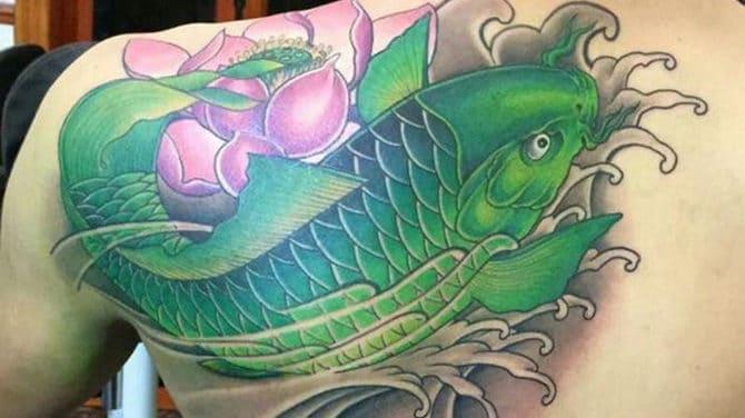 Ảnh xăm cá chép màu xanh lá cây