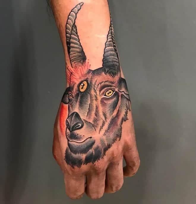 Hình tattoo chất cho nam cung Ma Kết