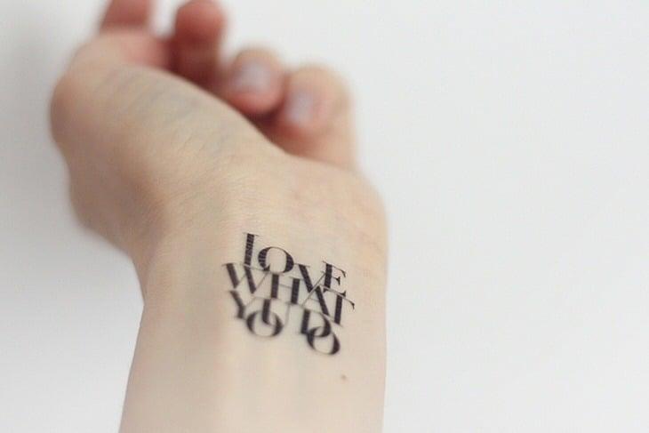 Hình tattoo chữ kiểu in hoa đơn giản
