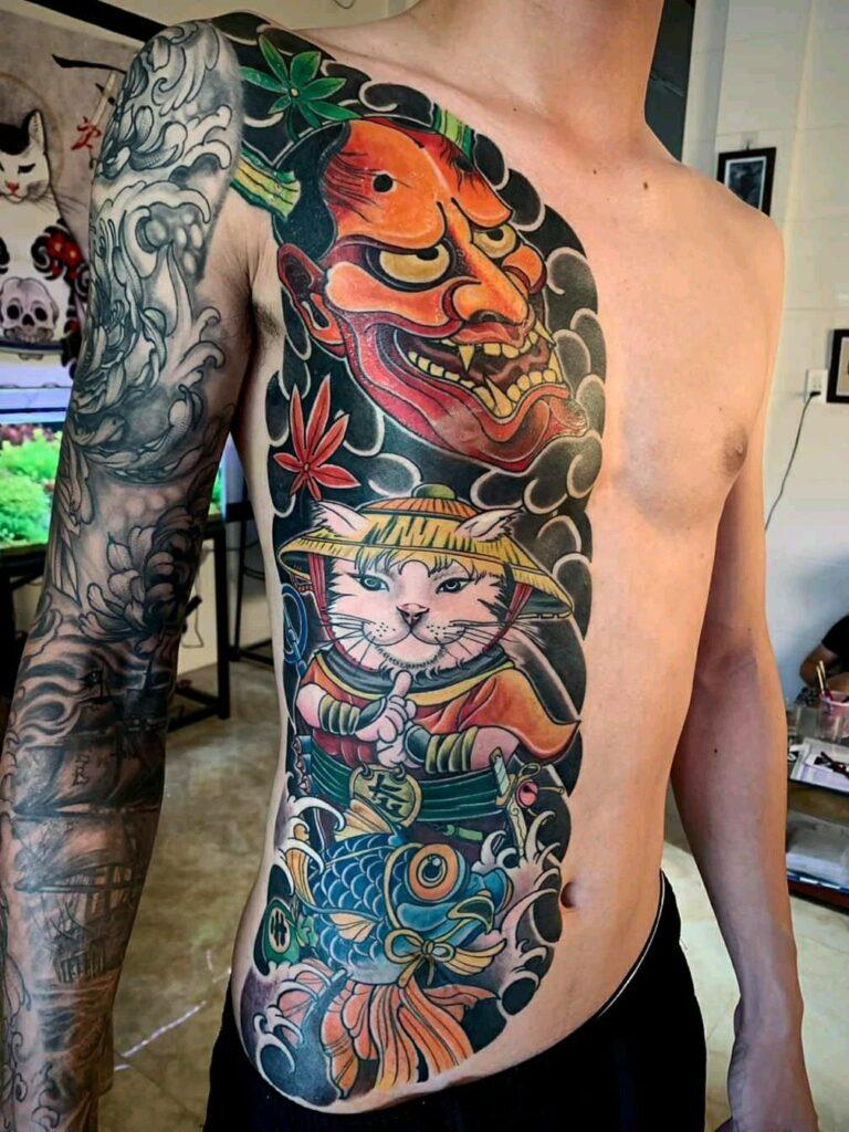 Hình tattoo nửa người mèo thần tài nam