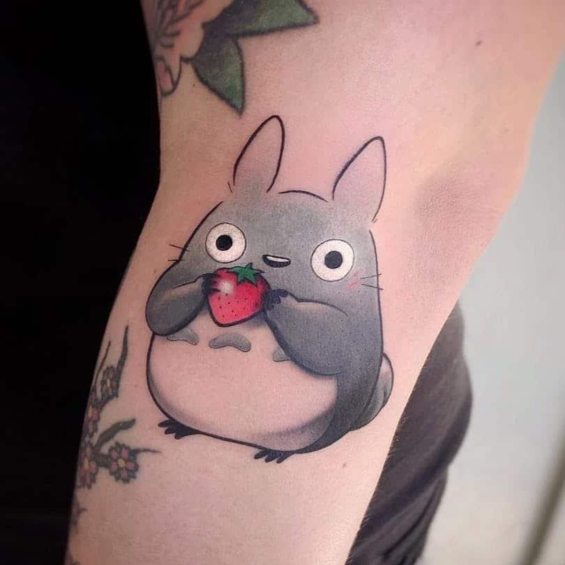 Không thể cưỡng lại sức hút từ tattoo totoro ở tay cho giới trẻ