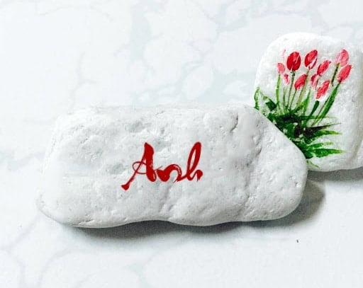 Kiểu chữ Anh khắc lên đá độc đáo