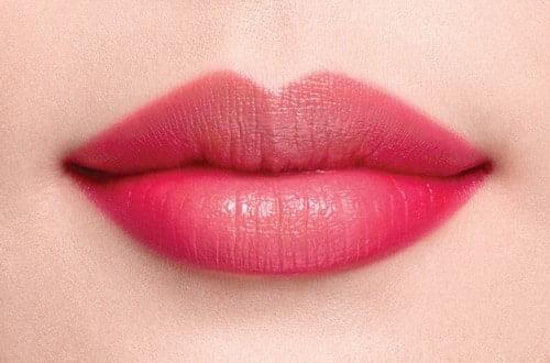 Kiểu xăm môi ngọt ngào pha chút gợi cảm cho phái đẹp