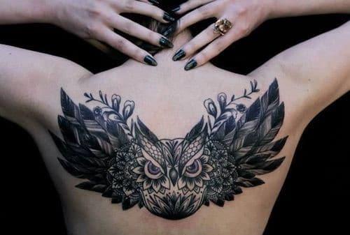Mẫu tattoo cú mèo siêu cá tính ở sau lưng