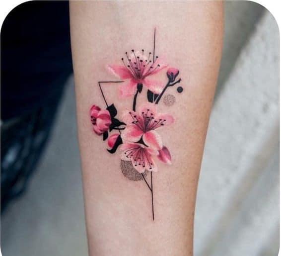 Mẫu tattoo hoa đào đẹp cho người mệnh mộc