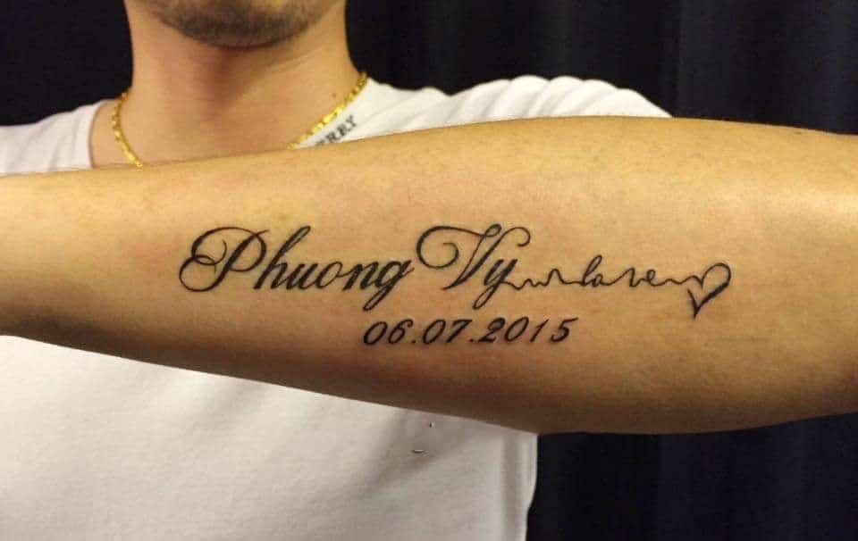 Mẫu tattoo tên mình kết hợp trái tim và số đẹp mắt