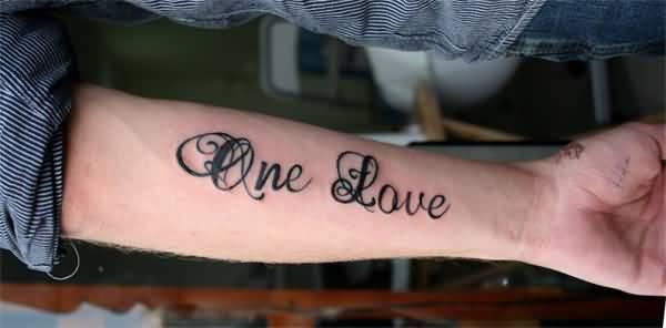 Mẫu xăm One Love của con trai