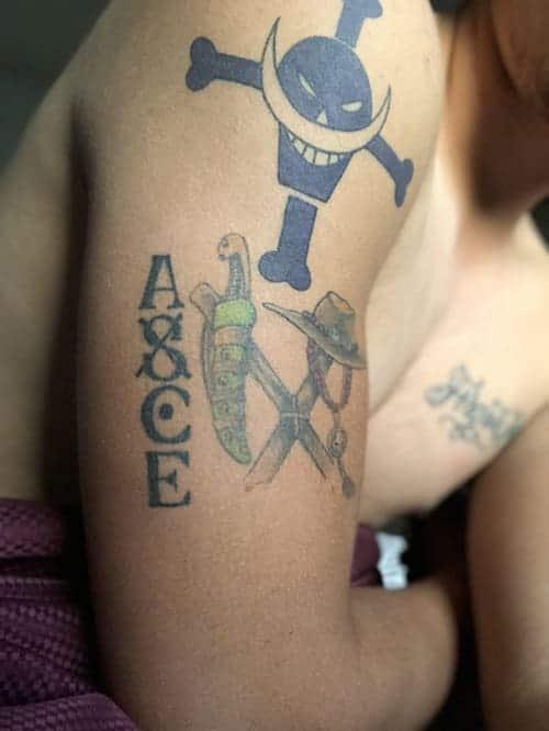 Ngay cả các fan nữ cũng yêu thích hình xăm của Ace One Piece