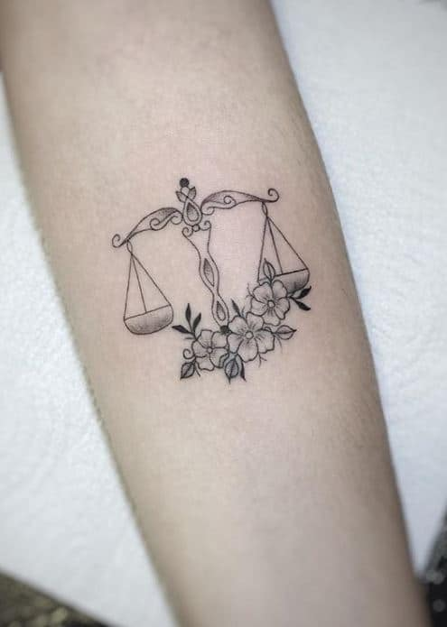 Tattoo đẹp cho nữ cung Thiên Bình