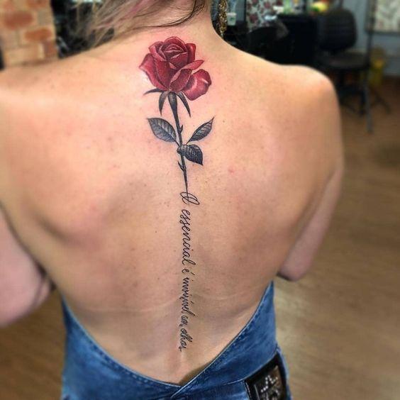 Tattoo hoa hồng dọc sống lưng con gái