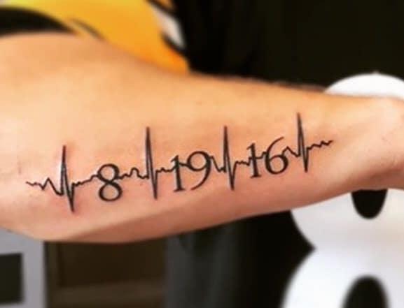 Tattoo ngày tháng năm sinh kết hợp nhịp đập đẹp