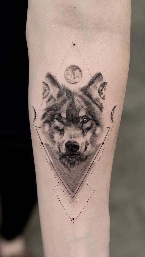 Tattoo sói mini ấn tượng và hút mọi ánh nhìn