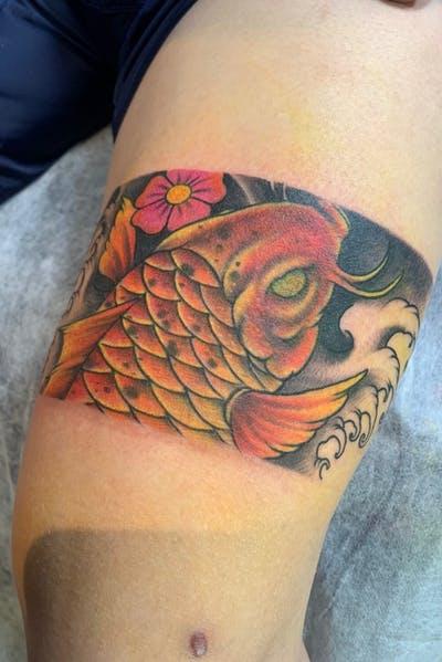Tattoo vòng chân cá chép độc đáo