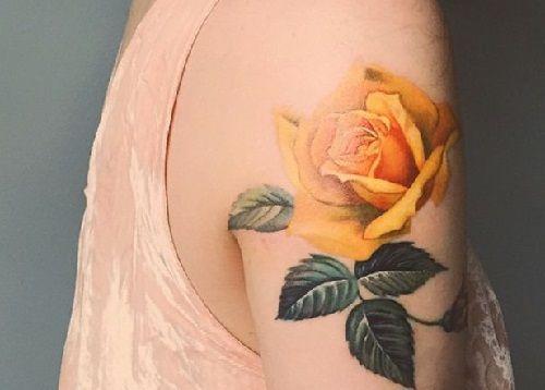 Tattoo xăm hoa hồng vàng cực đẹp