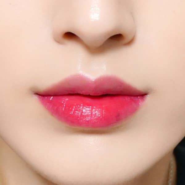 Xăm môi 3d khiến chị em phát cuồng