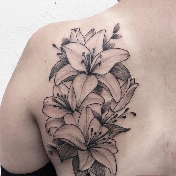Xăm tattoo nhành hoa đẹp cho người mệnh mộc