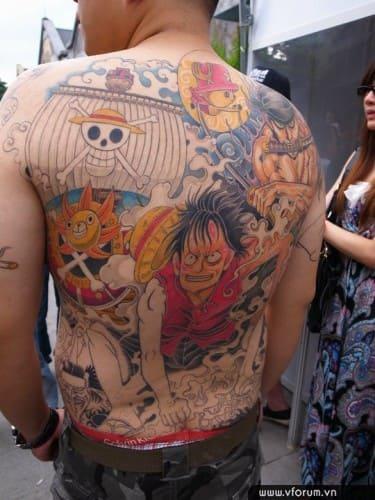 hình tattoo đảo hải tặc one piece full lưng