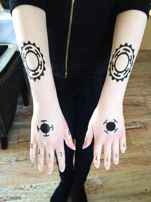 mẫu hình tattoo xăm Trafalgar Law