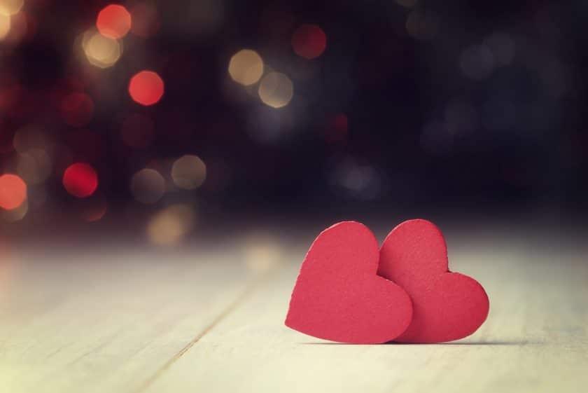 Ảnh cặp đôi trái tim đơn giản mà dễ thương hợp cho ngày lễ tình nhân