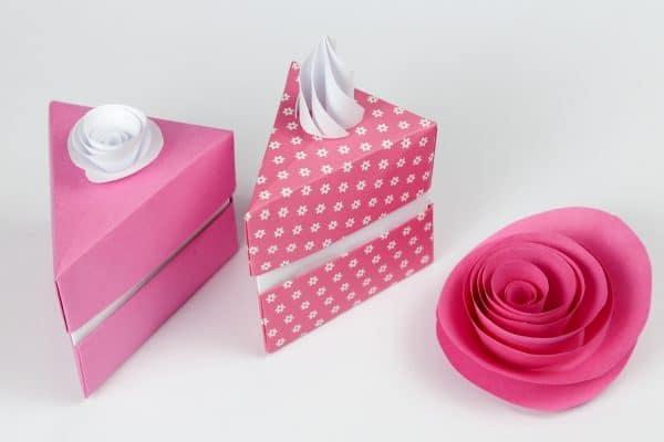 Hình Ảnh Hộp Quà Valentine Hình Tam Giác