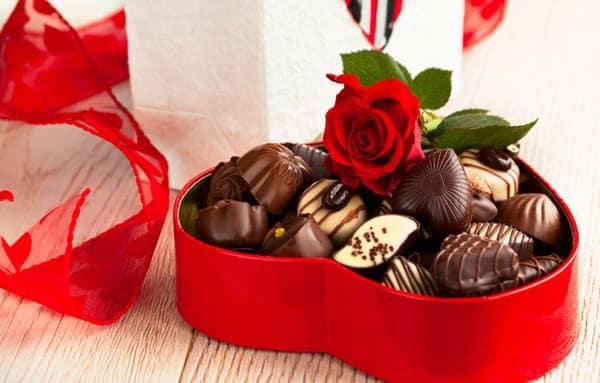 Hình Ảnh Quà Socola Valentine Lãng Mạn