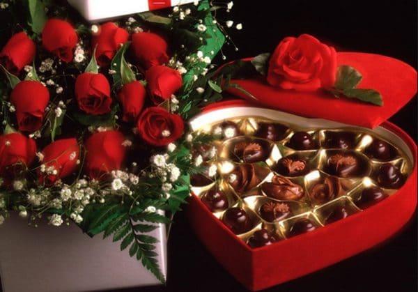 Socola và hoa hồng cực lãng mạn cho ngày valentine ý nghĩa